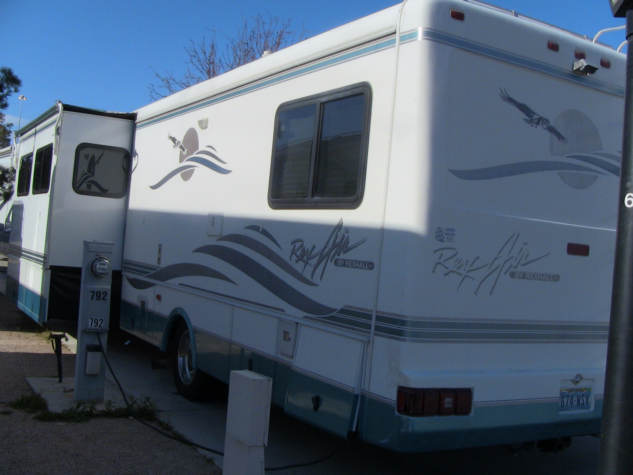 Book Of Rv Motorhome Blue Book In Spain By Emily | fakrub.com